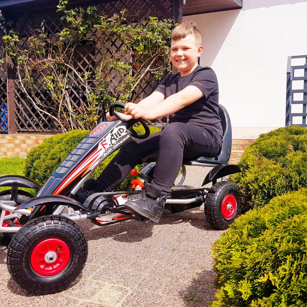 Go-Kart Max 50 kg Kinderfahrzeug (5-8 Jahre) Tretfahrzeug Go-Kart Tretauto Luftbereifung